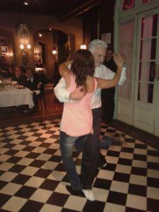 Vero bailando Tango